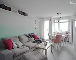 Aranżacja klasycznego salonu - zdjęcie od 4Rooms Studio
