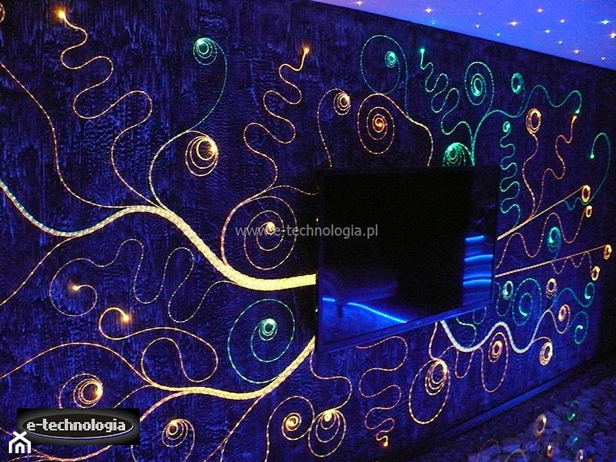 Oświetlenie ściany Za Telewizorem Zdjęcie Od E Technologia