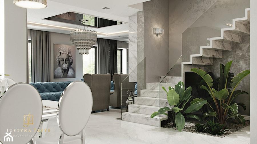 Rezydencja pod Warszawą - hol i schody w stylu New York Glamour. - zdjęcie od JUSTYNA TATYS LUXURY INTERIORS