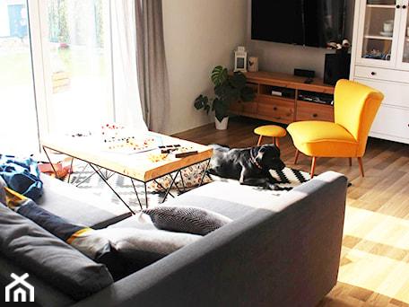 Aranżacje wnętrz - Salon: Dom w Gajkowie - jadalnia i salon - Architekt Wnętrz - Kalina Droździok. Przeglądaj, dodawaj i zapisuj najlepsze zdjęcia, pomysły i inspiracje designerskie. W bazie mamy już prawie milion fotografii!