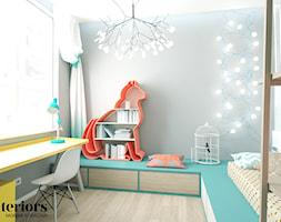 POKÓJ DZIECKA - Mały szary pokój dziecka dla chłopca dla dziewczynki dla ucznia dla malucha dla nastolatka, styl eklektyczny - zdjęcie od minteriors Monika Koryczan Architektura Wnętrz