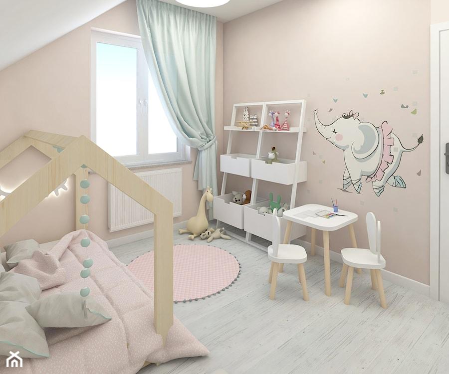 Aranżacje wnętrz - Pokój dziecka: Pokój Blanki - Mały beżowy pokój dziecka dla chłopca dla dziewczynki dla ucznia dla malucha - Ing. Przeglądaj, dodawaj i zapisuj najlepsze zdjęcia, pomysły i inspiracje designerskie. W bazie mamy już prawie milion fotografii!