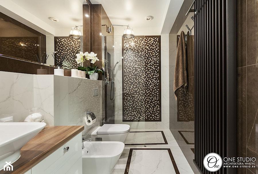 warszawska klasyka - Średnia łazienka w bloku w domu jednorodzinnym bez okna, styl nowojorski - zdjęcie od One Studio