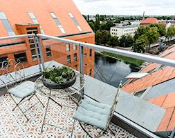 Dwupoziomowy apartament w Gdańsku - Średni taras na dachu - zdjęcie od KaCeDe Pracownia Projektowa