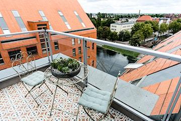 Płytki na balkon: jakie wybrać? Porady i zdjęcia