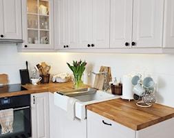 paulina.inspiruje - Mała otwarta biała kuchnia w kształcie litery l w aneksie, styl skandynawski - zdjęcie od paulina.inspiruje