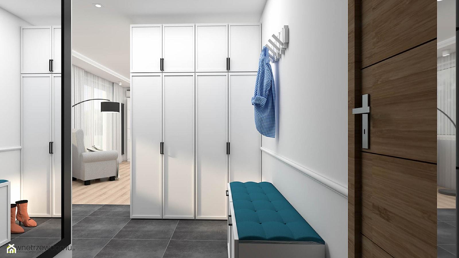 Hol z dużą szafą - zdjęcie od wnetrzewdomu - Homebook