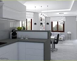 Szary salon z białą kuchnią - zdjęcie od wnetrzewdomu - Homebook