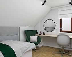 pokój dla nastolatki na poddaszu - Średnia biała sypialnia małżeńska na poddaszu, styl skandynawski - zdjęcie od wnetrzewdomu