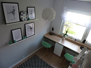 Pokój dzieci - Mały szary pokój dziecka dla chłopca dla dziewczynki dla rodzeństwa dla ucznia dla malucha dla nastolatka - zdjęcie od architekci tu