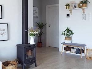 MÓJ OSOBISTY RAJ NA ZIEMI - Średni biały salon, styl skandynawski - zdjęcie od MójOsobistyRajNaZiemi