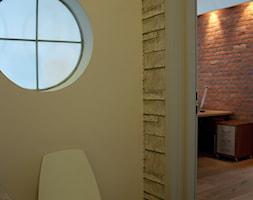 PROJEKT WNĘTRZ DLA FIRMY ''CONTRAD'' - Małe białe biuro kącik do pracy, styl industrialny - zdjęcie od MODEI Sztuka&Design