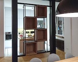Szafeczka kubiki metal + drewno - zdjęcie od Raro Design