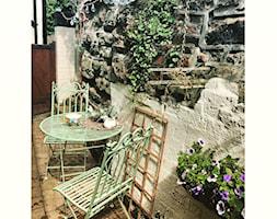#tajemniczyogrod - Średni taras z tyłu domu rustykalny - zdjęcie od Marta Siwek 5