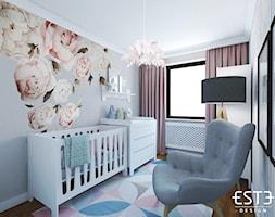 Pokój dziecięcy - Mały szary pokój dziecka dla chłopca dla dziewczynki dla niemowlaka, styl skandynawski - zdjęcie od Este Design