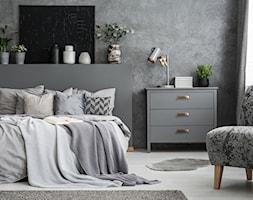 Nowe kolekcje uchwytów - Duża szara czarna sypialnia małżeńska, styl vintage - zdjęcie od GTV - Homebook