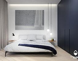 Mieszkanie w Centrum Krakowa - Średnia biała sypialnia małżeńska, styl minimalistyczny - zdjęcie od OGRODY I WNĘTRZA - KAROLINA POPIEL