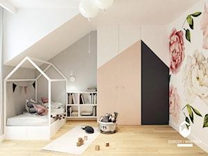 Dom pod Krakowem II - Średni biały szary pokój dziecka dla dziewczynki dla malucha, styl skandynawski - zdjęcie od OGRODY I WNĘTRZA - KAROLINA POPIEL