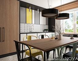 Przestrzeń biurowa firmy Repablo - Średnia otwarta biała czarna kuchnia jednorzędowa z oknem, styl ... - zdjęcie od przestrzeńNOVA - Homebook