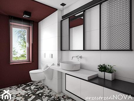 Aranżacje wnętrz - Łazienka: Łazienka w biurze - Średnia biała brązowa łazienka w bloku w domu jednorodzinnym z oknem, styl indu ... - przestrzeńNOVA. Przeglądaj, dodawaj i zapisuj najlepsze zdjęcia, pomysły i inspiracje designerskie. W bazie mamy już prawie milion fotografii!