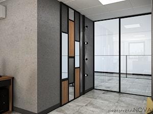 Przestrzeń biurowa firmy Repablo - Średnie duże szare białe biuro pracownia, styl industrialny - zdjęcie od przestrzeńNOVA