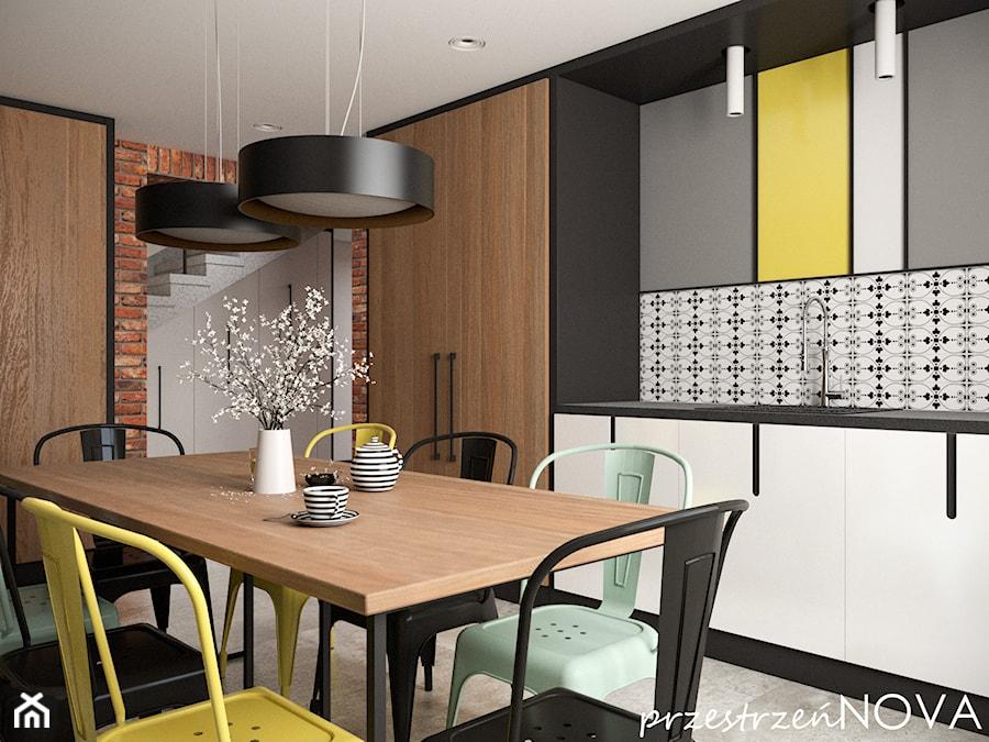 Przestrzeń biurowa firmy Repablo - Duża zamknięta szara kuchnia w kształcie litery l, styl industri ... - zdjęcie od przestrzeńNOVA