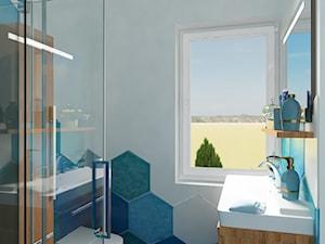Projekt domu jednorodzinnego - Mała biała niebieska łazienka na poddaszu w bloku w domu jednorodzinnym z oknem, styl skandynawski - zdjęcie od Oksana Koniuszewska