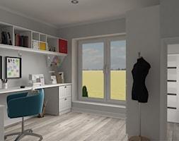 Projekt domu jednorodzinnego - Duże szare biuro domowe kącik do pracy, styl skandynawski - zdjęcie od Oksana Koniuszewska