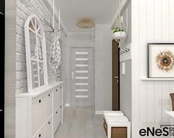 Mieszkanie na Wrocławskich Krzykach - Średni biały szary hol / przedpokój, styl prowansalski - zdjęcie od Enes Studio Projektowanie wnętrz & meble