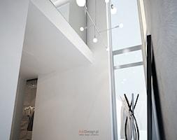 Dom 200 m2 - Średni biały hol / przedpokój, styl nowoczesny - zdjęcie od Add Design - Homebook