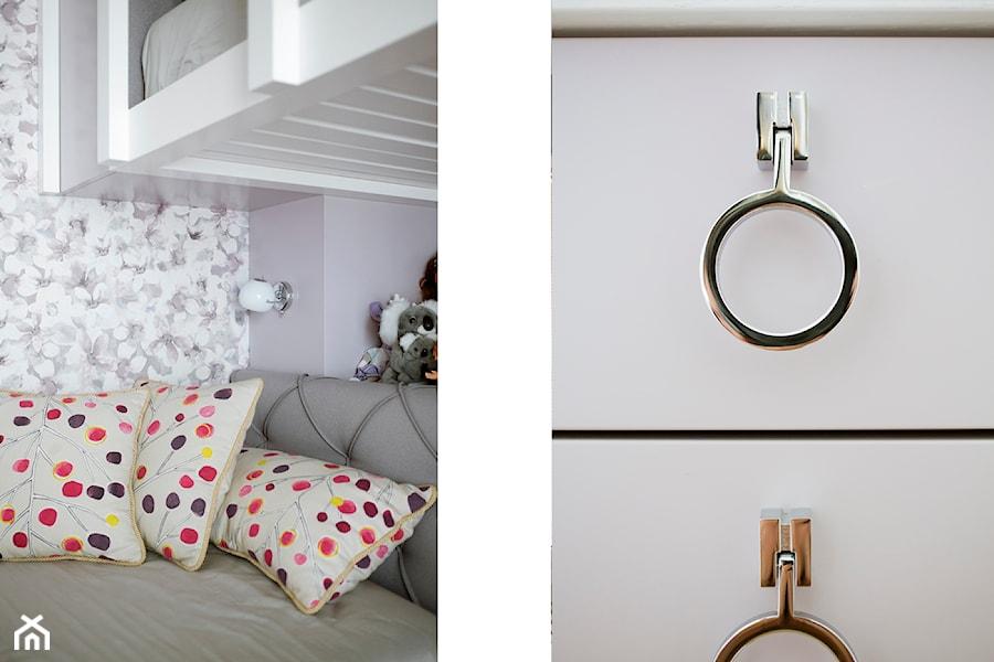 Pokój dziewczynek - Mały szary pokój dziecka dla chłopca dla dziewczynki dla malucha - zdjęcie od Węgiełek Architekci Wnętrz