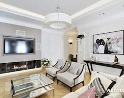 Apartament Morskie Oko - Średni szary biały salon, styl klasyczny - zdjęcie od Węgiełek Architekci Wnętrz