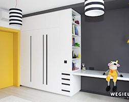 Dom pod Konstancinem - Średni biały czarny pokój dziecka dla chłopca dla dziewczynki dla malucha dl ... - zdjęcie od Węgiełek Architekci Wnętrz - Homebook