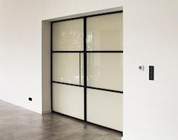 Drzwi+loftowe+przesuwne+-+zdj%C4%99cie+od+OTIF+Profil+-+%C5%9Bcianki+i+drzwi+loftowe