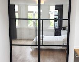 Loftowe+drzwi+do+sypialni+-+zdj%C4%99cie+od+OTIF+Profil+-+%C5%9Bcianki+i+drzwi+loftowe
