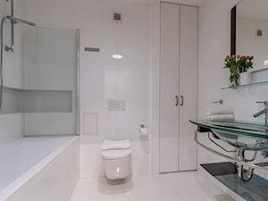 mieszkanie do wynajęcia w AIRBNB - Andersa, Warszawa - Średnia łazienka w bloku w domu jednorodzinnym bez okna - zdjęcie od Beata Olejnik-Widawska