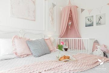 Jak urządzić sypialnię dla trojga?