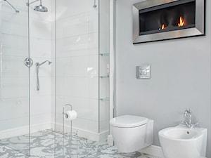 Łazienka z niezwykłą podłogą - zdjęcie od FANAJŁO Home Design Decor