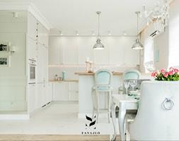 Kuchnia w stylu modern classic - zdjęcie od FANAJŁO Home Design Decor
