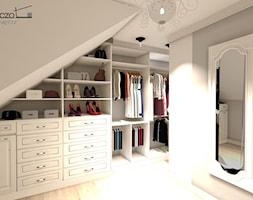 garderoba - Duża zamknięta garderoba na poddaszu, styl klasyczny - zdjęcie od Anna Pszczoła - Aranżacja Wnętrz