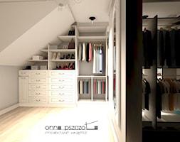 garderoba - Średnia garderoba na poddaszu, styl klasyczny - zdjęcie od Anna Pszczoła - Aranżacja Wnętrz