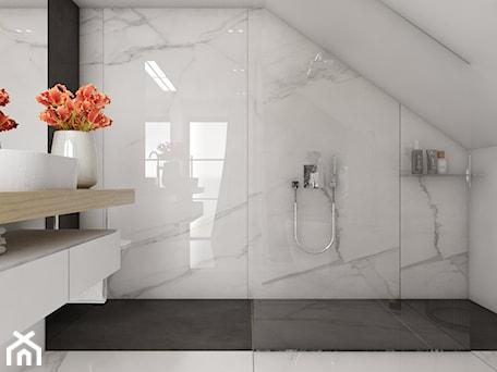 Aranżacje wnętrz - Łazienka: Dom 200m2 w Puławach - Średnia biała czarna łazienka na poddaszu w domu jednorodzinnym bez okna, st ... - INNers - architektura wnętrza. Przeglądaj, dodawaj i zapisuj najlepsze zdjęcia, pomysły i inspiracje designerskie. W bazie mamy już prawie milion fotografii!