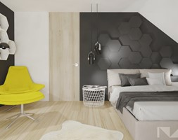 Dom 180m2 pod Tychami - Duża biała czarna sypialnia małżeńska na poddaszu, styl skandynawski - zdjęcie od INNers - architektura wnętrza
