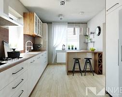 Kuchnia 15,0m2 w Sarnowie k. Będzina - Duża zamknięta szara kuchnia jednorzędowa z oknem, styl klasyczny - zdjęcie od INNers - architektura wnętrza