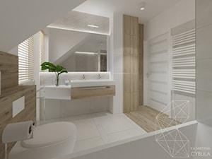 Dom 120 m2 pod Krakowem - Biała szara łazienka na poddaszu w bloku w domu jednorodzinnym z oknem, styl nowoczesny - zdjęcie od INNers - architektura wnętrza