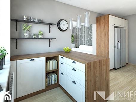 Aranżacje wnętrz - Kuchnia: Kuchnia 15,0m2 w Sarnowie k. Będzina - Mała otwarta szara kuchnia w kształcie litery l z oknem, sty ... - INNers - architektura wnętrza. Przeglądaj, dodawaj i zapisuj najlepsze zdjęcia, pomysły i inspiracje designerskie. W bazie mamy już prawie milion fotografii!
