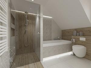 Dom 120 m2 pod Krakowem - Średnia biała beżowa szara łazienka na poddaszu w domu jednorodzinnym z oknem, styl nowoczesny - zdjęcie od INNers - architektura wnętrza