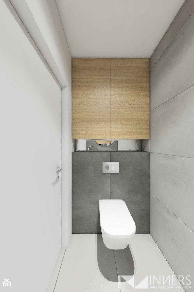 Mieszkanie 77m2, Apartamenty Novum, ul. Rakowicka 20, Kraków - Mała szara łazienka na poddaszu w bloku w domu jednorodzinnym bez okna, styl nowoczesny - zdjęcie od INNers - architektura wnętrza
