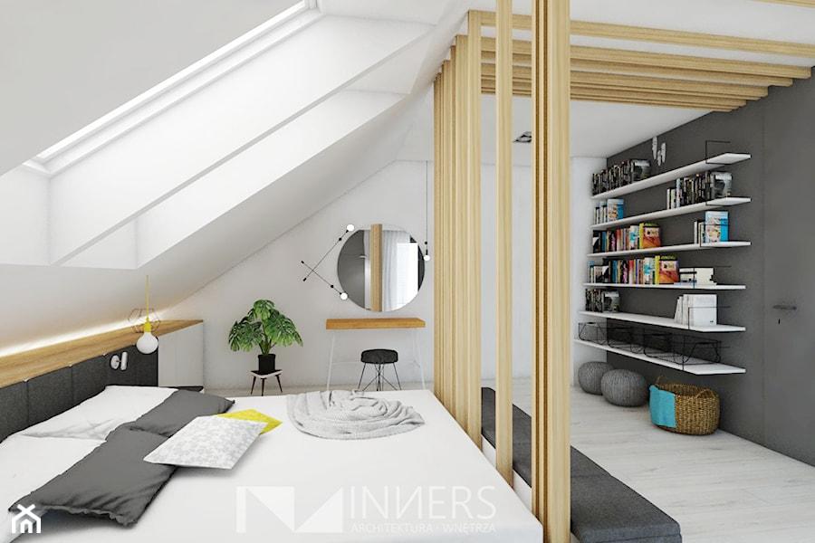 Dom 140,0m2 we Wrząsowicach - Średnia biała czarna sypialnia małżeńska na poddaszu, styl nowoczesny - zdjęcie od INNers - architektura wnętrza