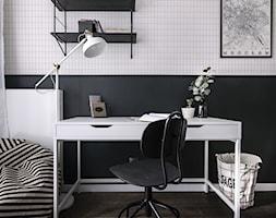 Witolda43 - Średni biały czarny pokój dziecka dla chłopca dla nastolatka, styl minimalistyczny - zdjęcie od N'concept